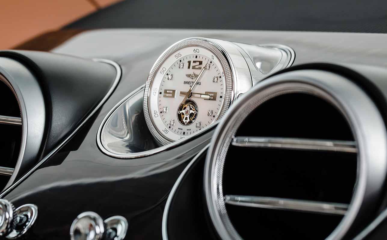 Uhr von Breitling im Bentley Bentayga
