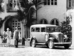 """Chevrolet Carryall-Suburban von 1936 – der erste SUV? Das Modell basierte auf einem Lastwagen-Fahrgestell. Auch andere Hersteller nutzten bald darauf den Begriff """"Suburban"""" für einen Kombi auf einer Truck-Basis."""
