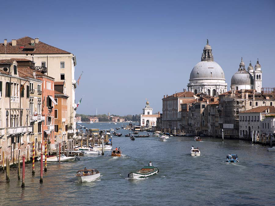 Der Canale Grande in Venedig: leider nichts für SUVs.