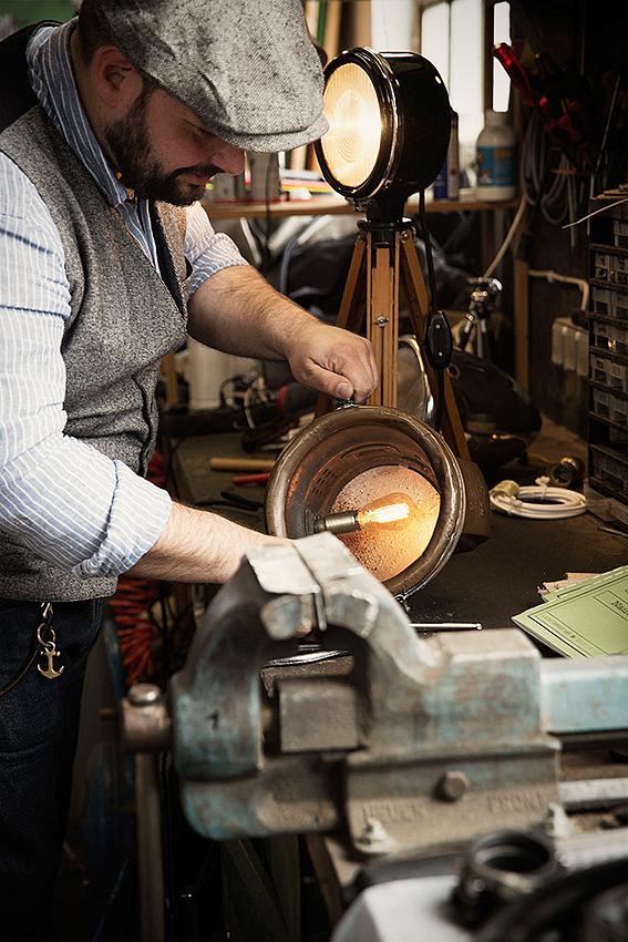 Jede Lampe wird aus hochwertigen Materialien und mit Liebe zum Handwerk gefertigt.