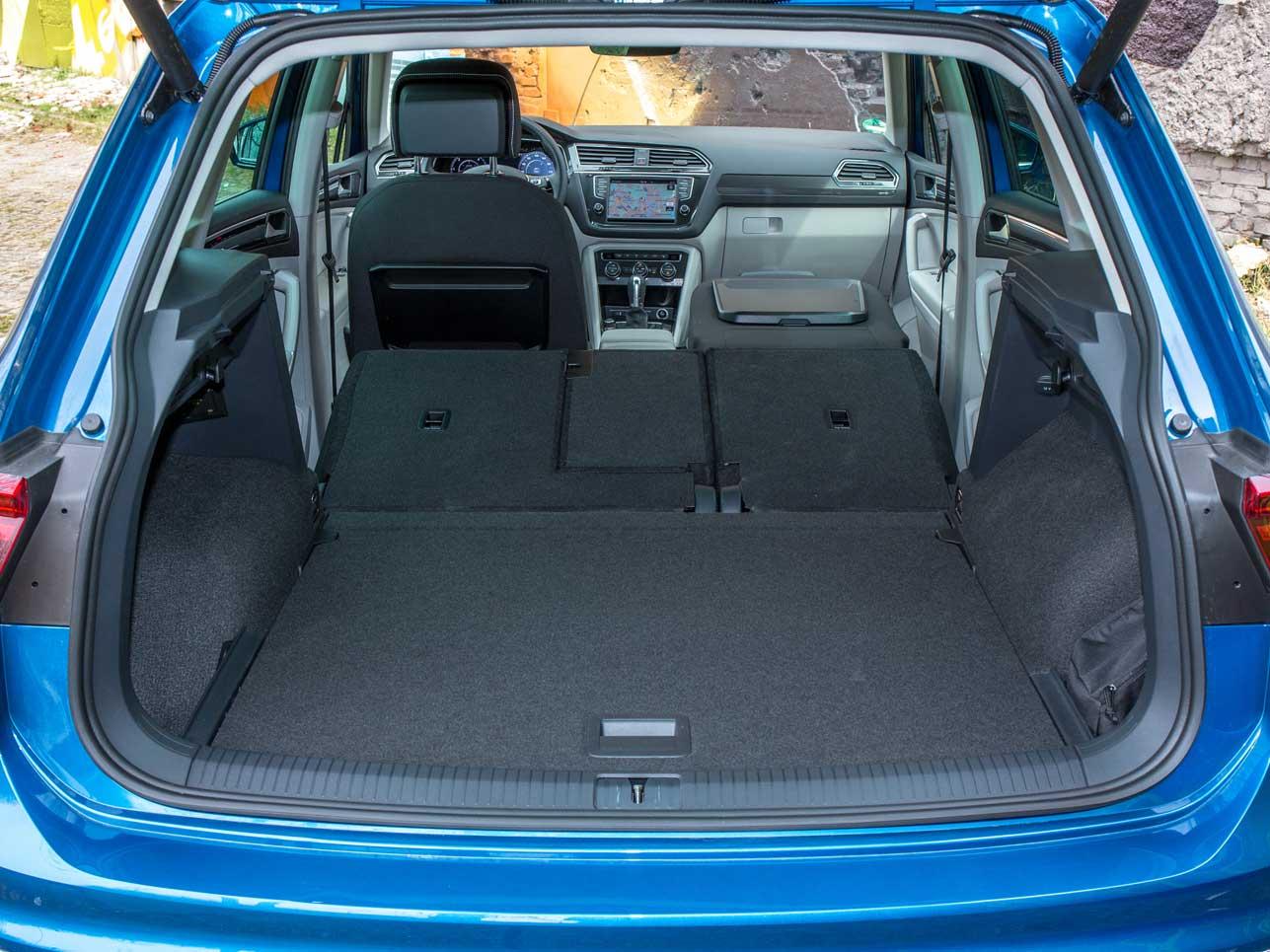 Der Kofferraum bietet dank komplett umklappbarer Rücksitzbank reichlich Platz.